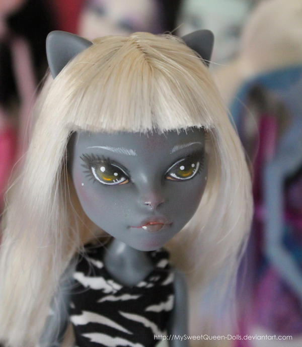 Repainted Meowlody II by MySweetQueen-Dolls