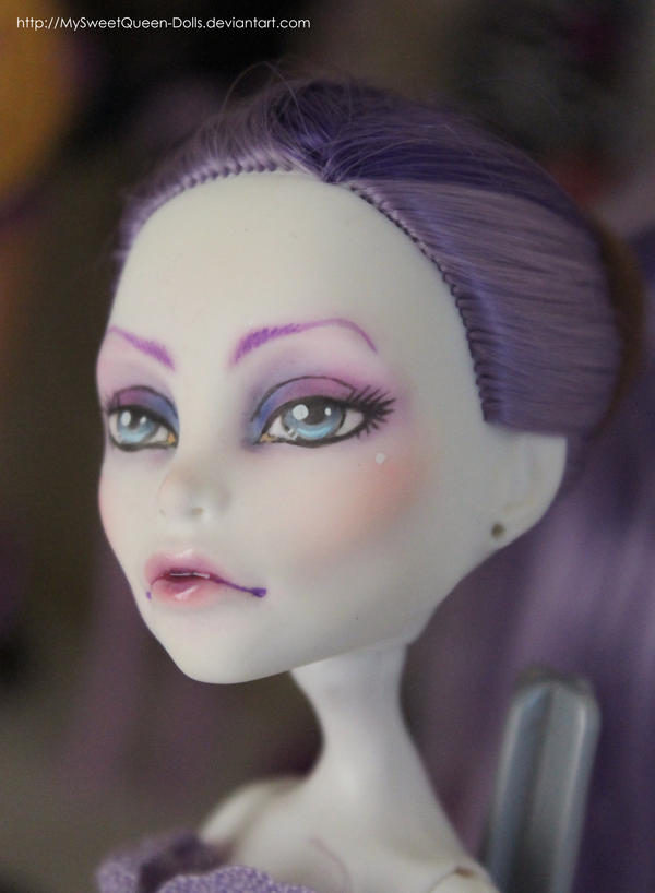 Regal Looking by MySweetQueen-Dolls