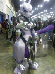 Mewtwo cosplay