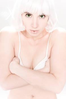 Lena Mattux - Hi-Phi_white 11