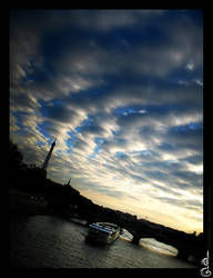 Paris sky by DavinArfel