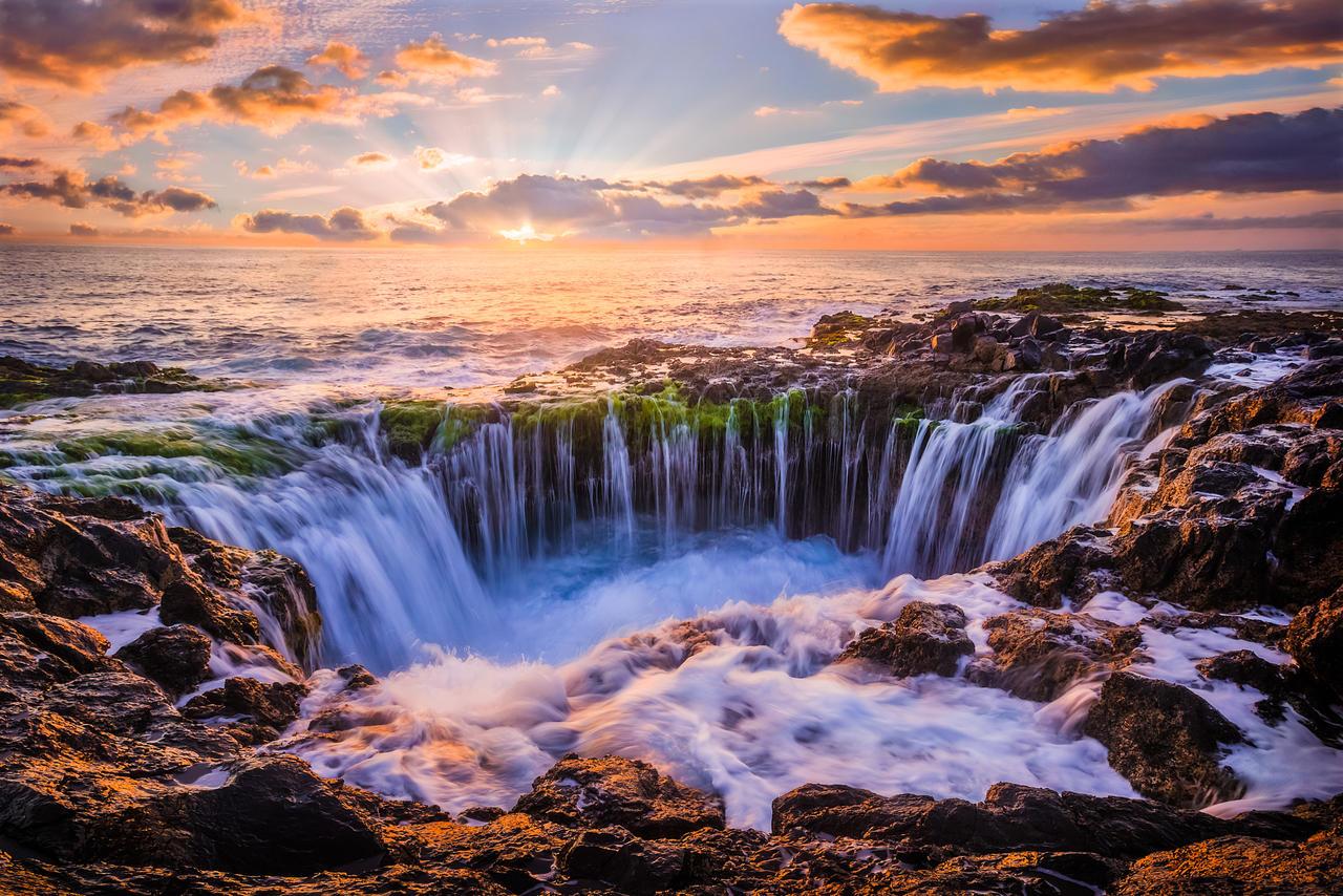 morning waves at the stone coast of gran canaria