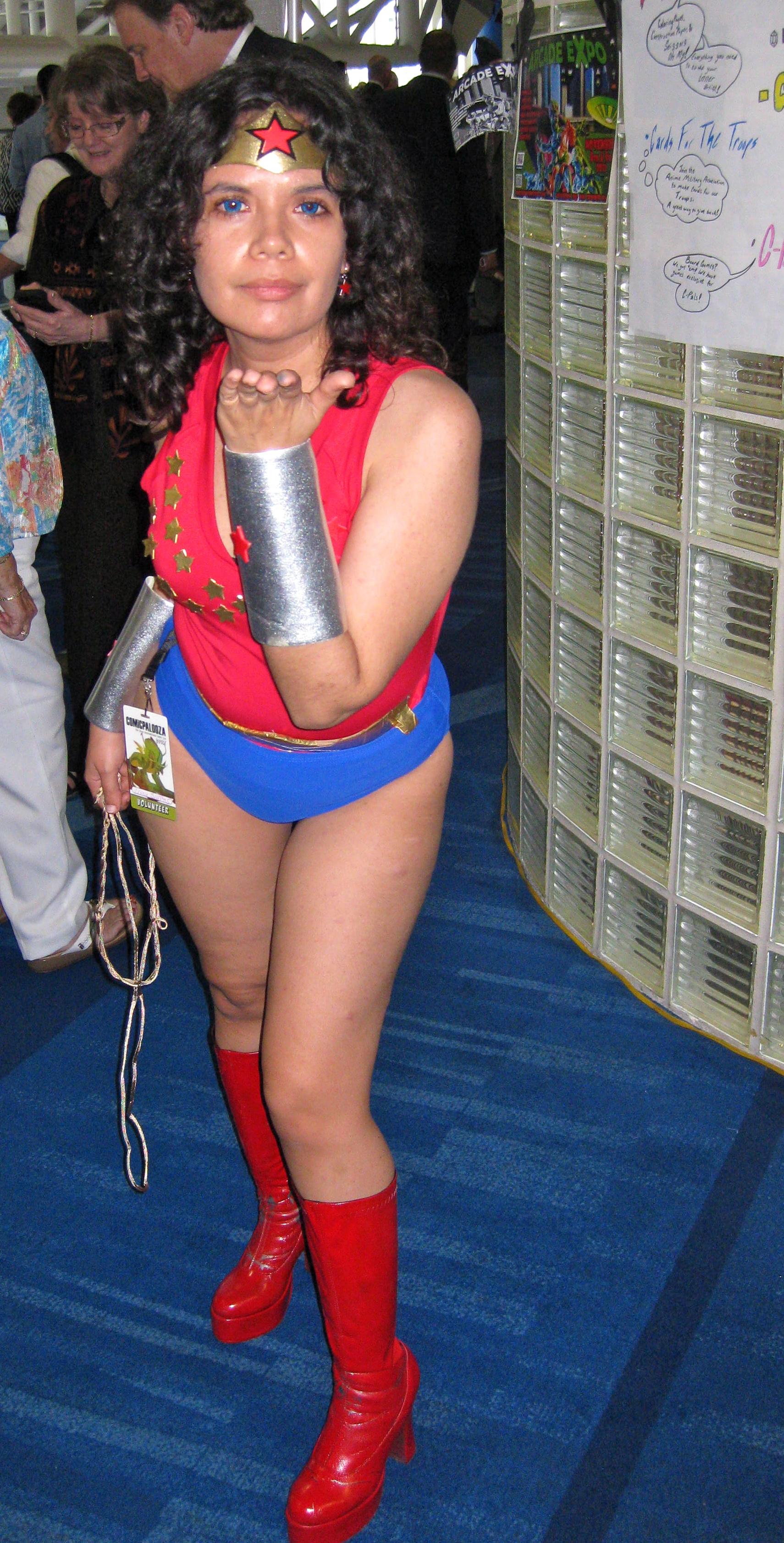 70's Wonder Girl 3 by Urvy1A