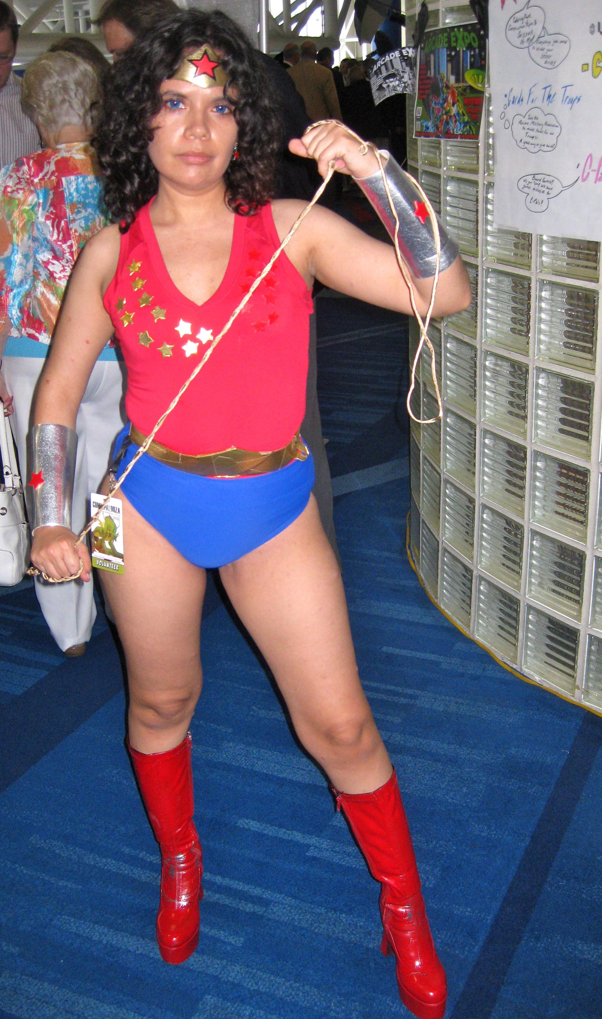 70's Wonder Girl 2 by Urvy1A