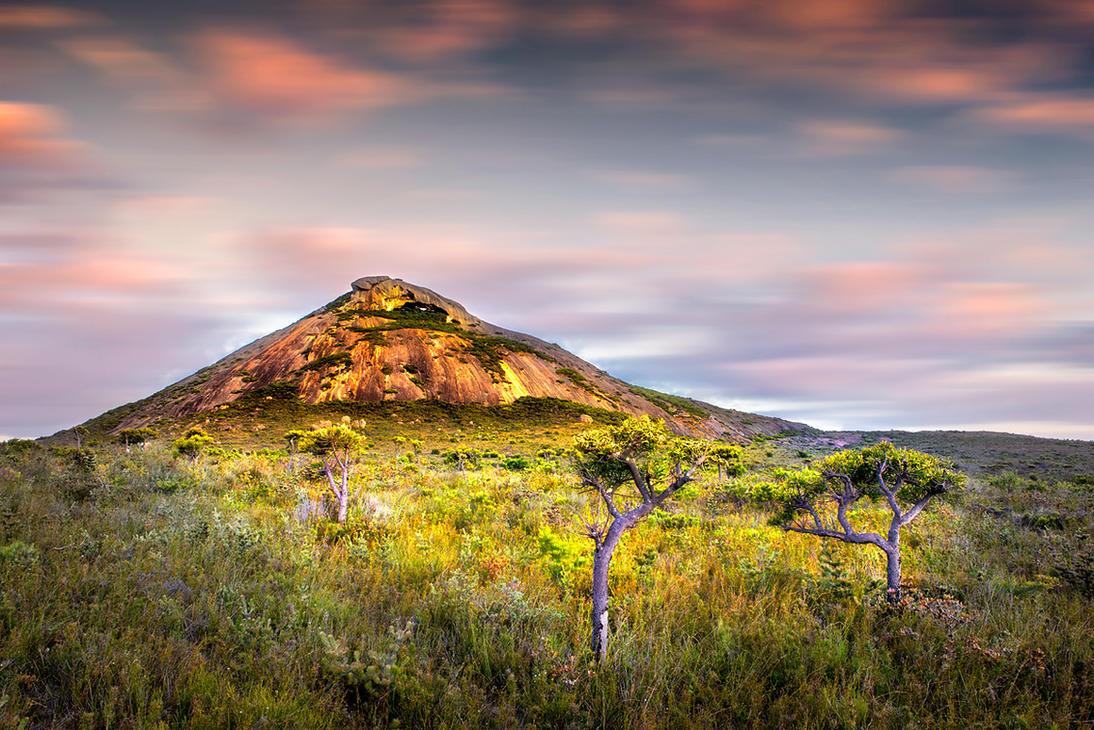 Frenchmans Peak by Furiousxr