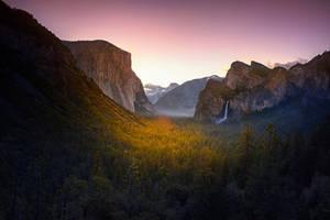 Yosemite by Furiousxr