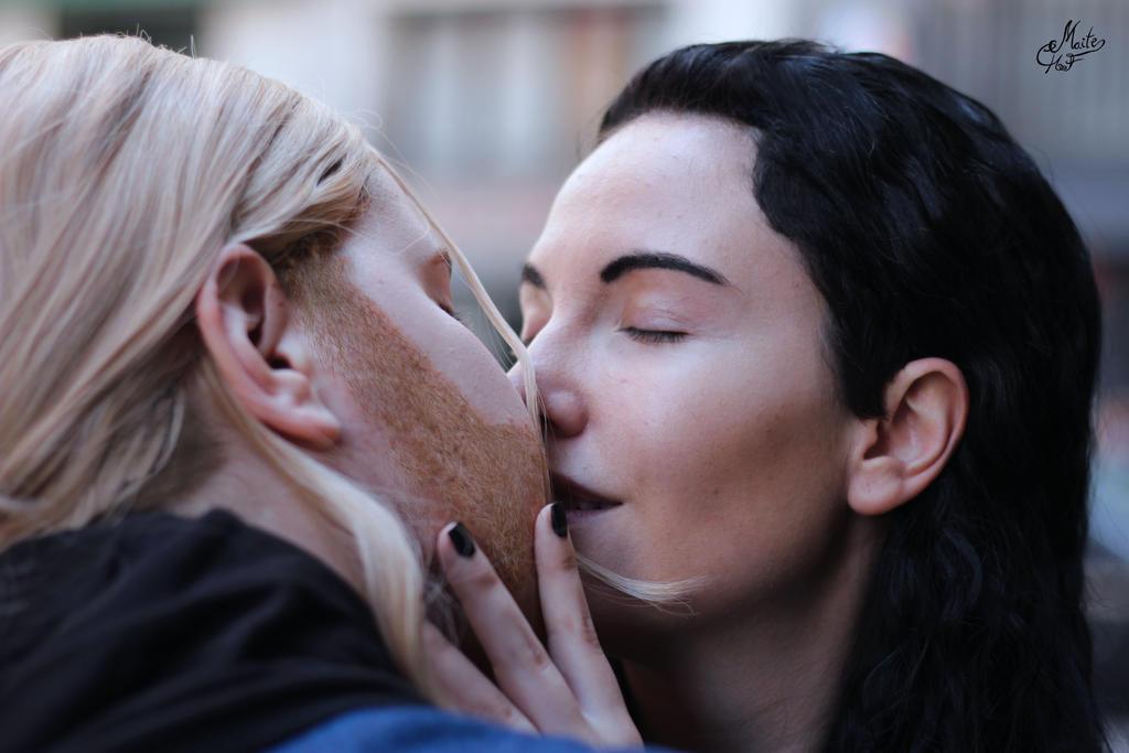 Venoumous kiss - Thorki by Albitxito