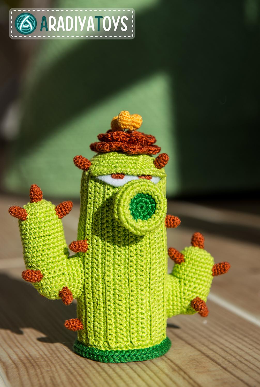 Cactus from 'Plants vs Zombies', amigurumi toy by AradiyaToys