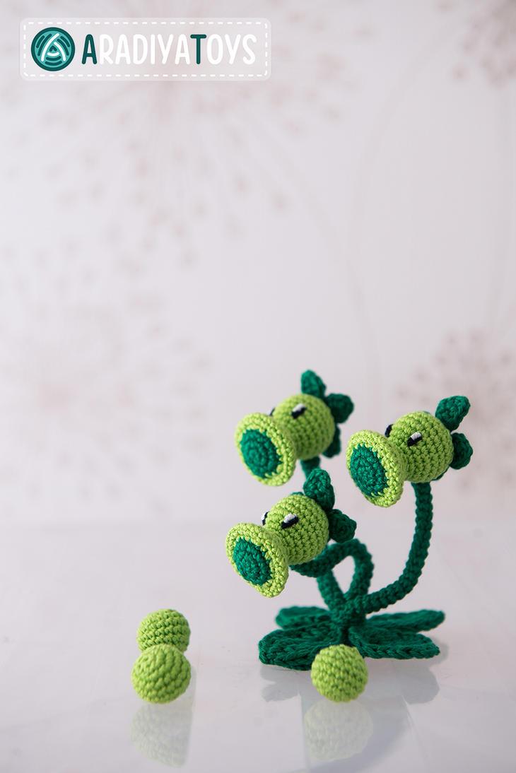 Crochet Plants Vs Zombies Patterns : Threepeater from Plants vs Zombies,amigurumi toy by AradiyaToys on ...