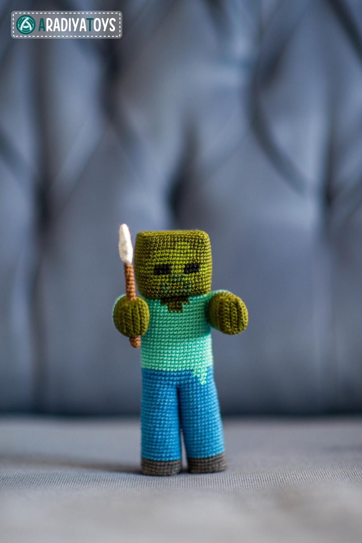 A zombie in the backyard [crochet – amigurumi] | Ahookamigurumi | 1500x1000