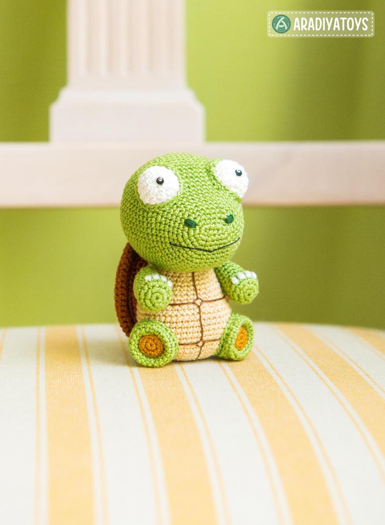 Turtle Gina by AradiyaToys by AradiyaToys