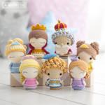 Royal Family from 'Mini Kingdom' by AradiyaToys