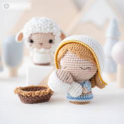 Mary and Baby Jesus by AradiyaToys (Olka Novytska)