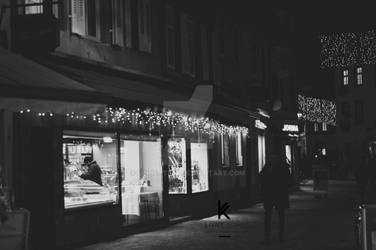 Christmas street by Linnette68