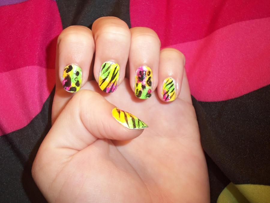 Neon Rainbow Nails Tips   Info