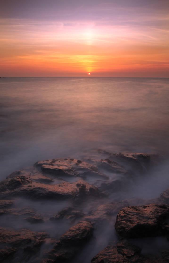 Halaman Bay Sunset 2010 by paddimir