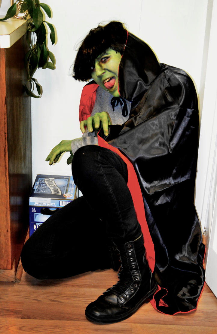 Gorillaz Cosplay: Murdoc and his Blue Moon by ZippyJ