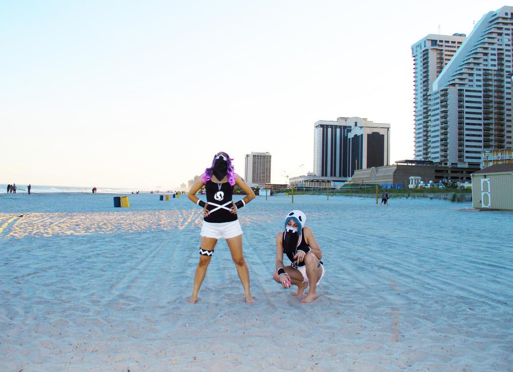Grunts at the Hau'oli Beachfront by ZippyJ