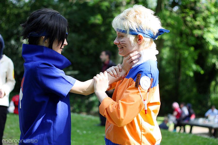 Related to Sasuke stabbed by Madara, Naruto loses the Kyuubi - Naruto