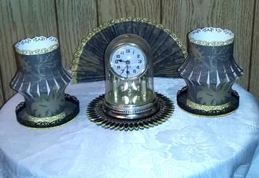 Damask Pattern Paperfan And Lantern set