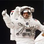 Astronotlar neden özel elbise giyer?