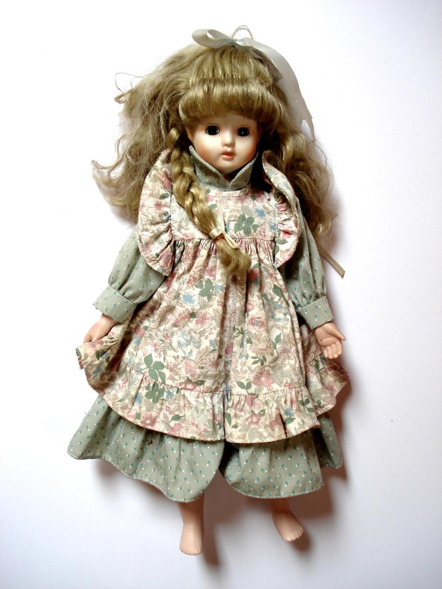 old_porcelain_doll_by_mortifiera-d304lkf.jpg