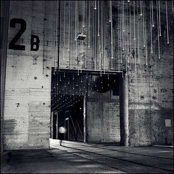 going through V by Tom-Ripley
