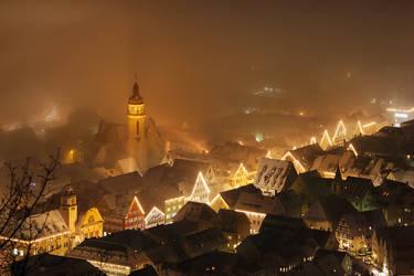 Lights in the fog by RitterRunkel