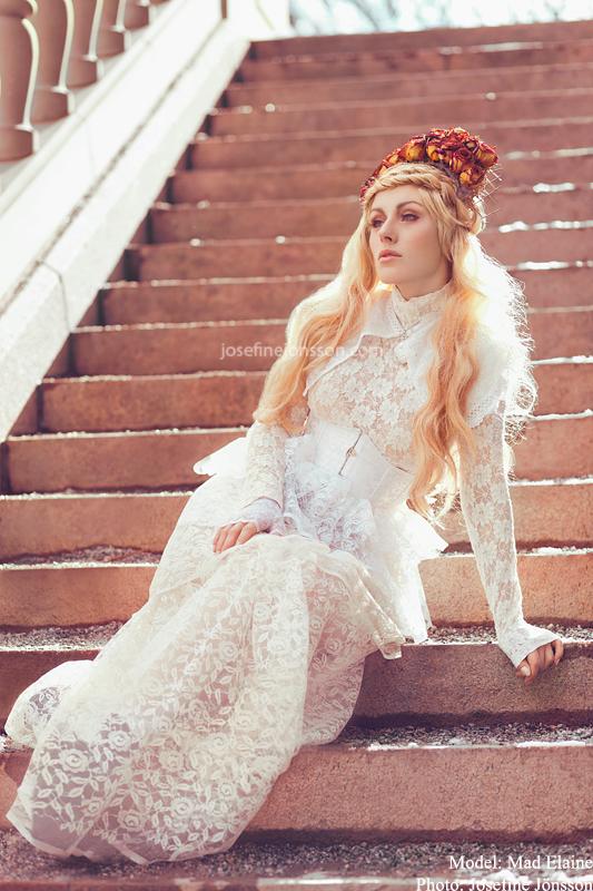 _White Queen II. by Bloddroppe