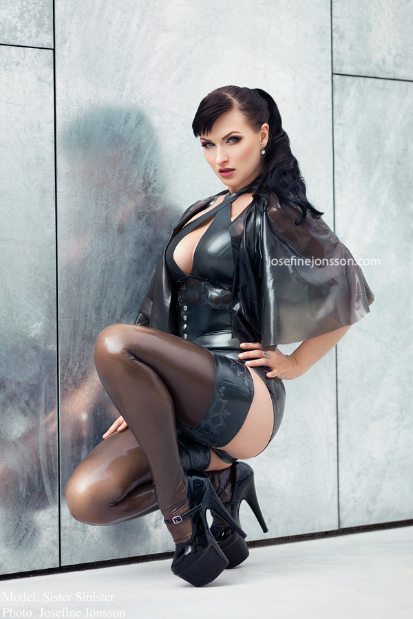 latex-and-nylon-pictures-adult-pussy-videos