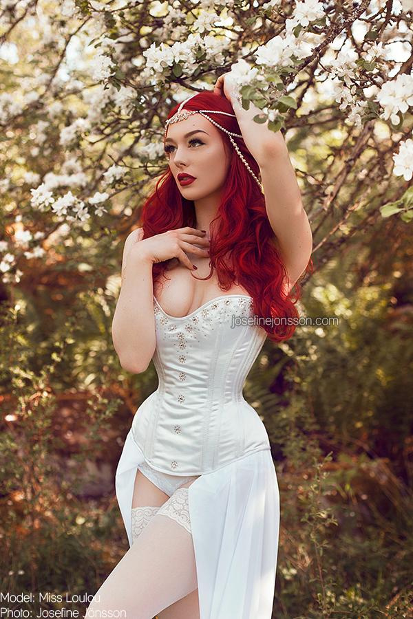 _white rose II. by josefinejonssonphoto