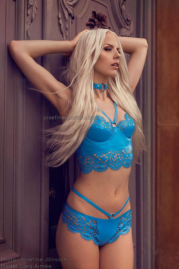 _blue Latex V.