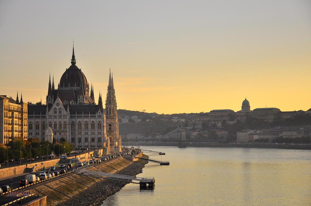 Budapest. by Fiedka