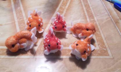 Felt goldfish6 by demetyoubi