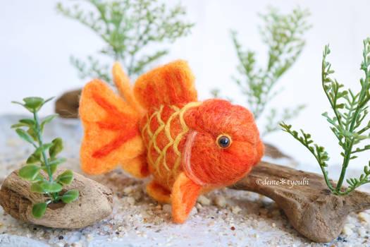 Needle felting goldfish short tail orange oranda
