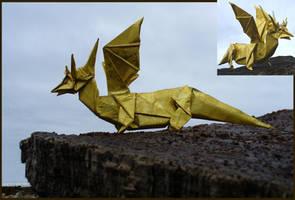 Golden dragon - Dragon dorado. by Figuer