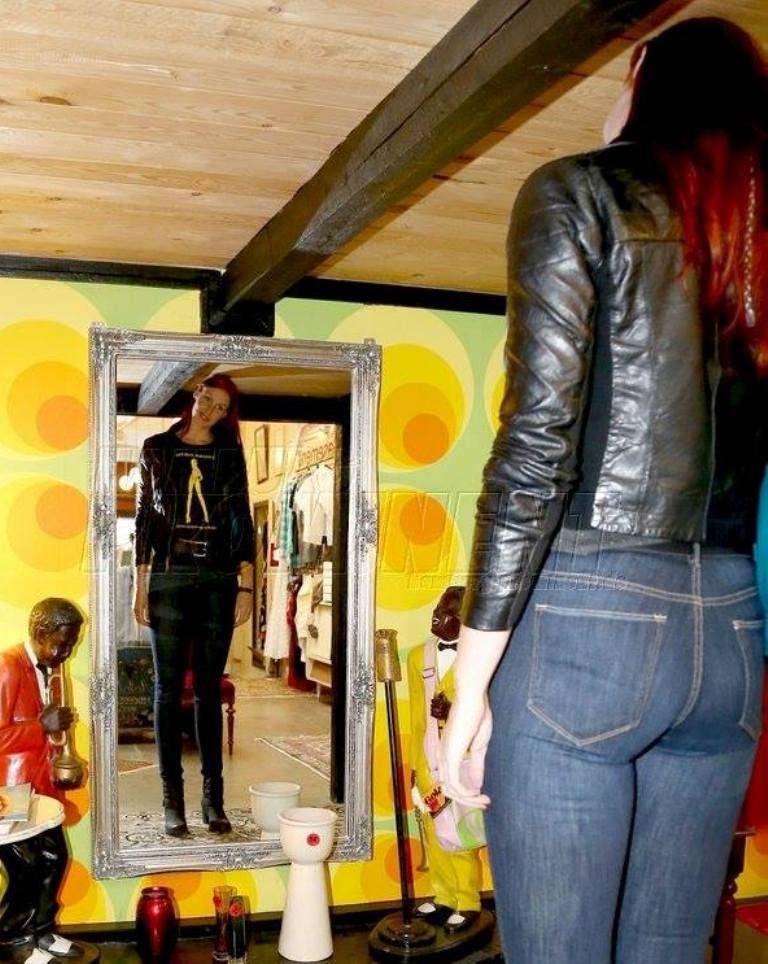 tall girl problems cxxxvii by zaratustraelsabio on deviantart