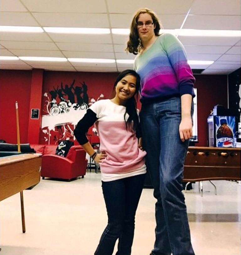 Tall canadian girl 212cm height by zaratustraelsabio on
