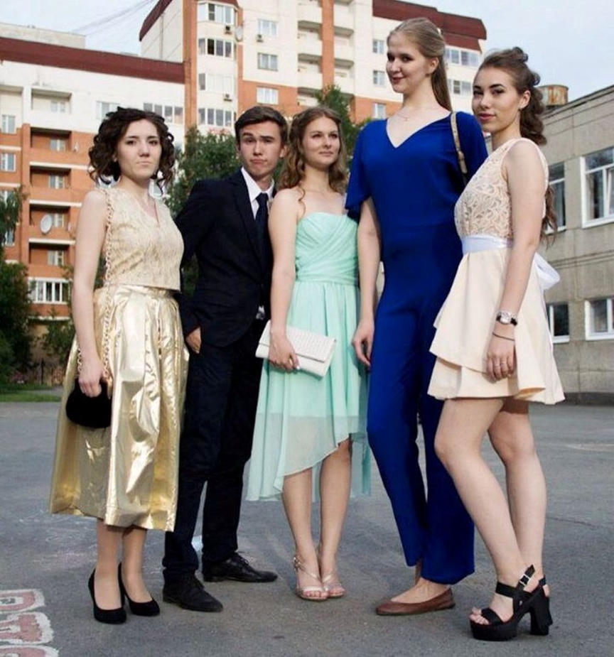 maria zemova 203cm and russian friends by