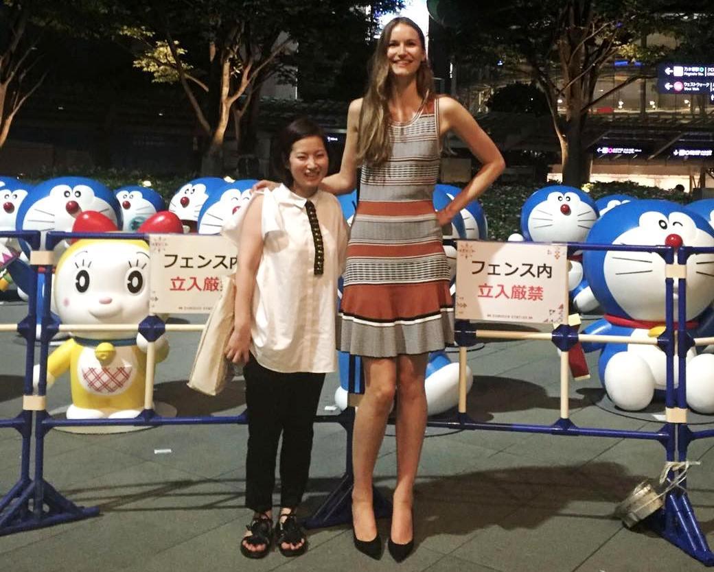 190cm tall girl and Doraemons by zaratustraelsabio on DeviantArt