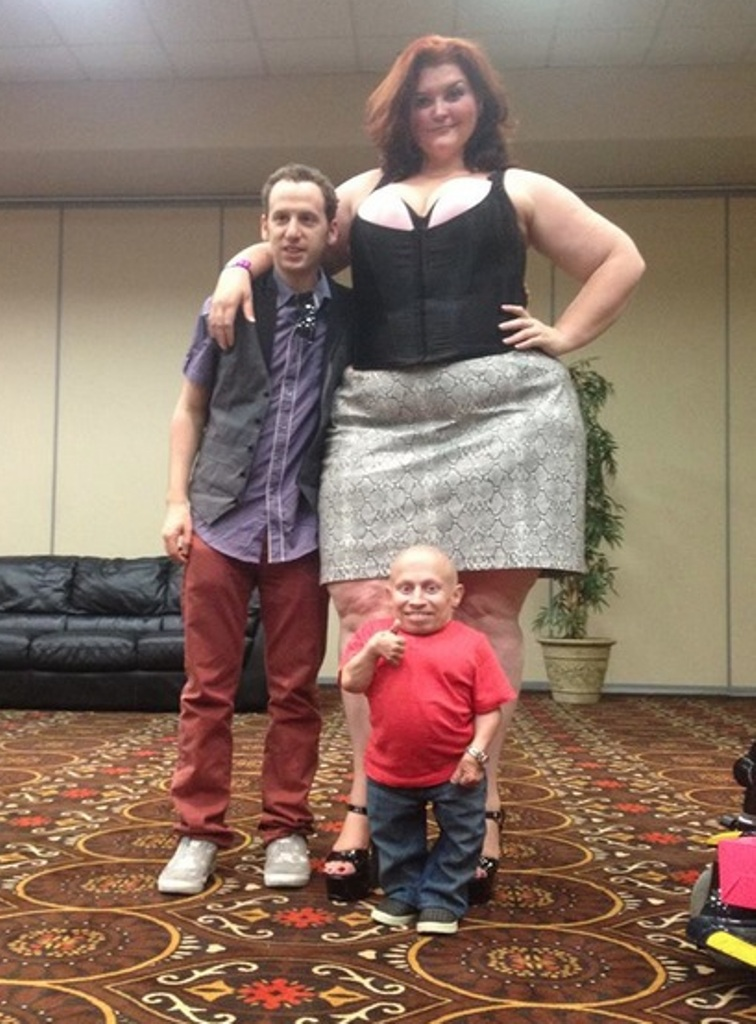 verne troyer and tall woman by zaratustraelsabio on deviantart