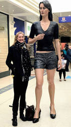 My wife is 6ft3 and today she was not the tallest  by zaratustraelsabio