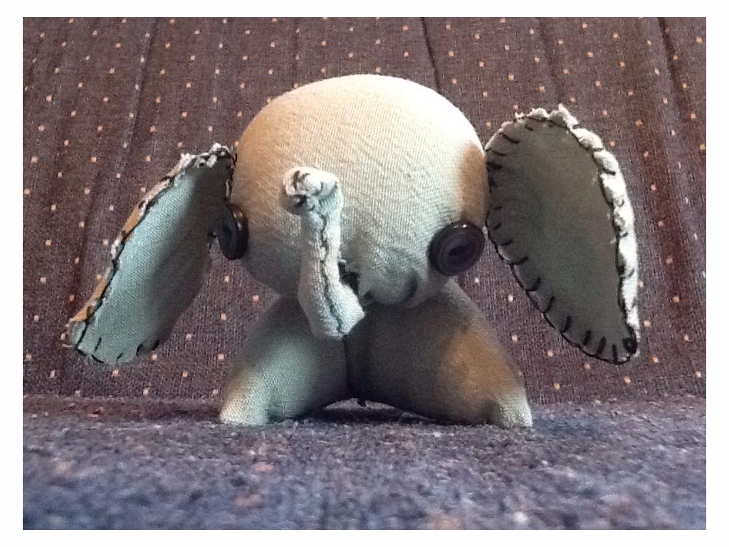 Tiny Elephant by KingEzekiel