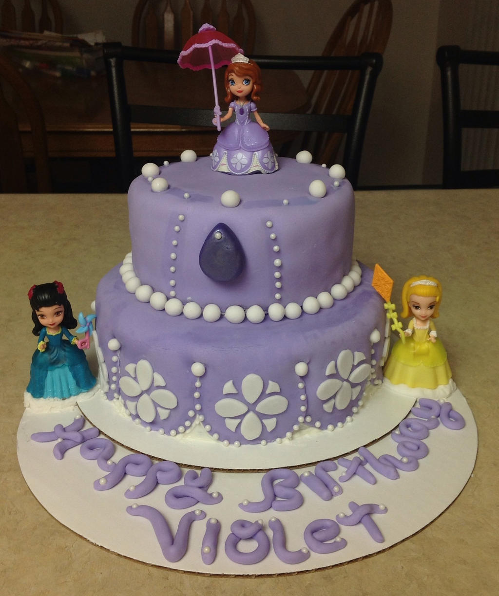 Cake Images Sofia : Princess Sofia Cake by ChuchuVee on DeviantArt