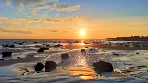 sunset at -5C Aldwick beach 120221a