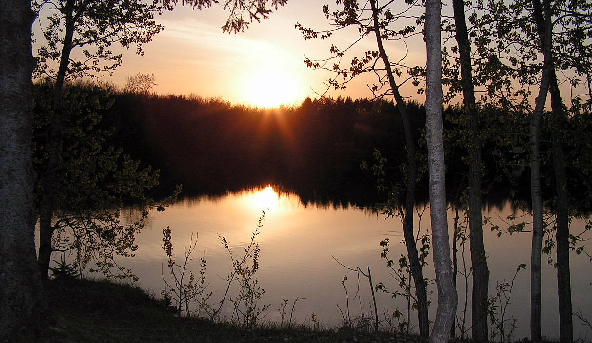 Sunset on the Lake by JocelyneR