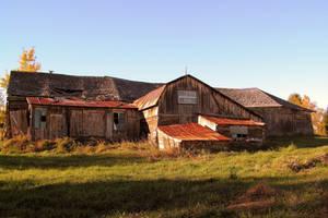 An Old Barn 02 by JocelyneR