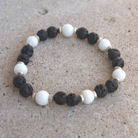 Black and White Elastic Bead Bracelet by ariaoftherain
