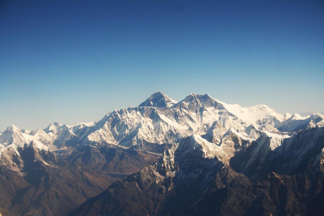 Mount Everest by daesken