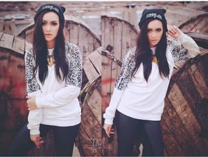 Model : Adinda Amalia